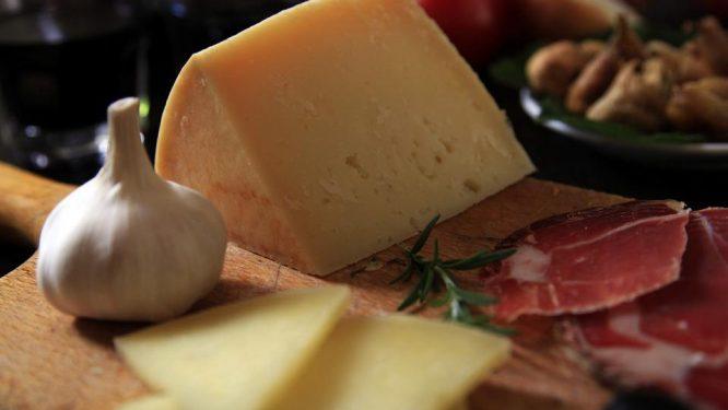 Paški sir 01