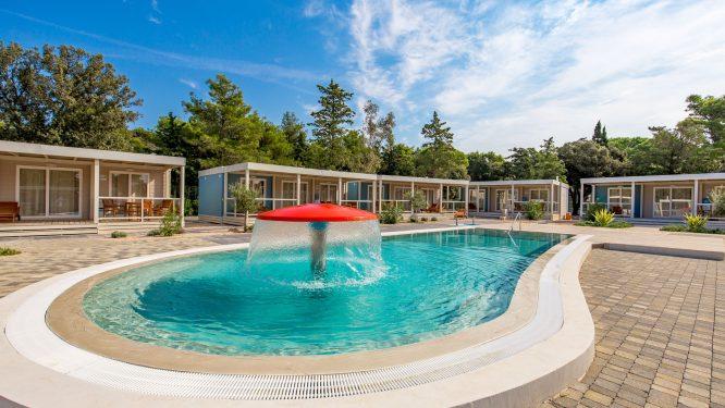 Camping Strasko - mobilne s bazenom