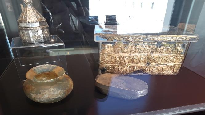 3.fotka - Novaljski relikvijaris